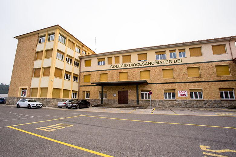Exterior colegio Mater Dei. Ayegui - Estella
