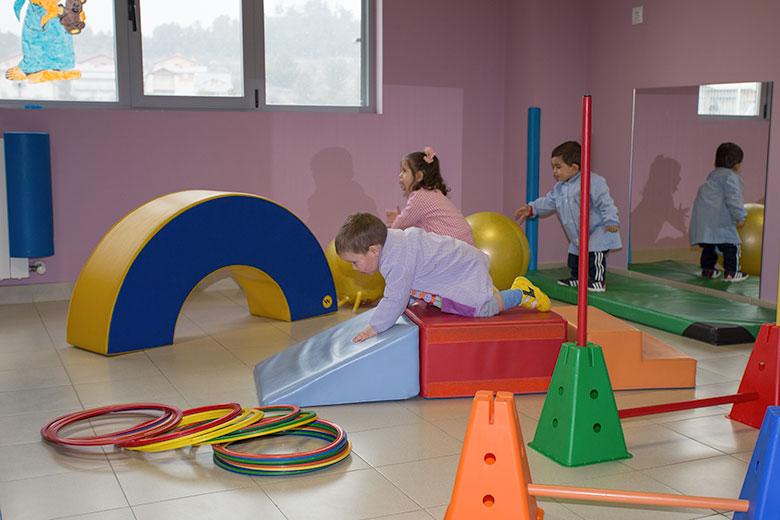 Instalaciones - Sala de psicomotricidad. Colegio Mater Dei, Ayegui - Estella
