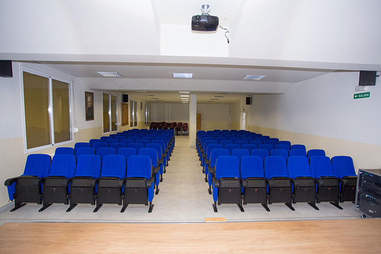 Instalaciones - Salón de actos. Colegio Mater Dei, Ayegui - Estella